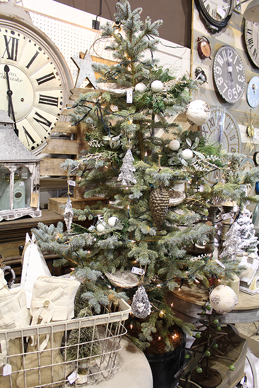 Decorated Trees Not Just For Christmas Real Deals On Home Decor