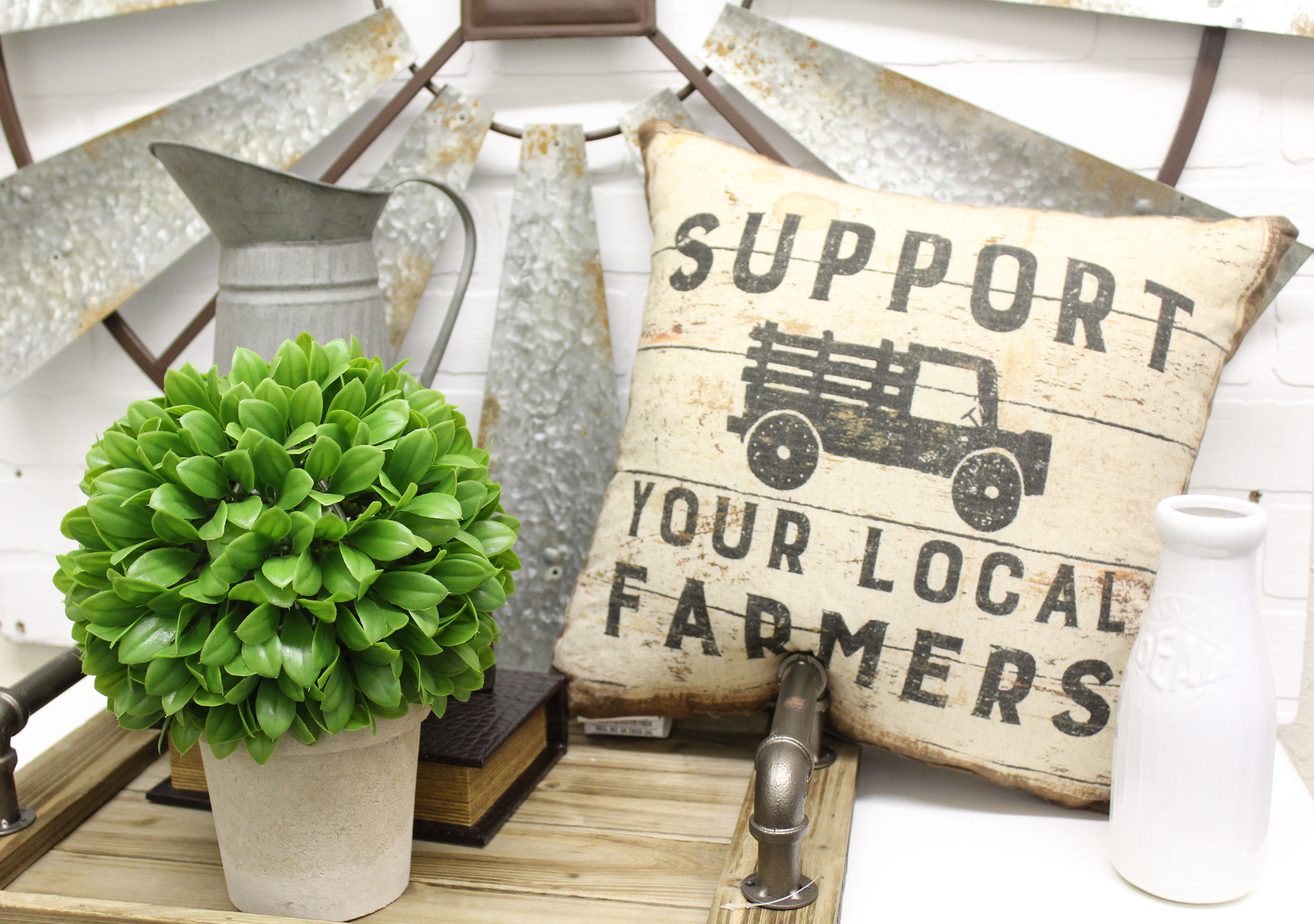 Farmhouse Decor at Real Deals on Home Decor